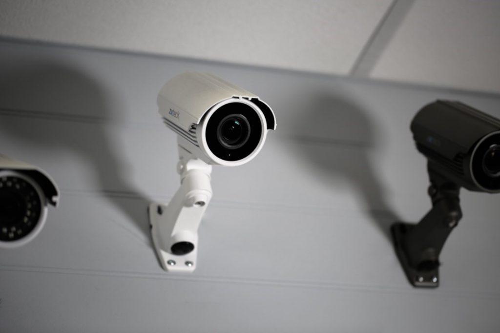 دوربین مداربسته برای انبار